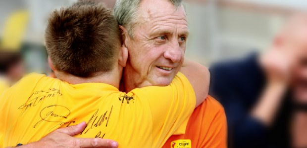 Voetbal International steunt Cruyff Foundation
